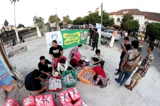 Bimasakti dan Kaskus Bagi-Bagi Takjil di Yogyakarta