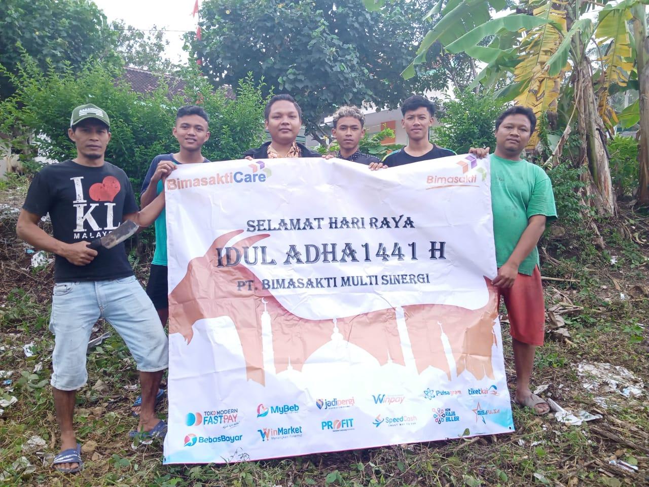 Peringatan Hari Raya Idul Adha 1441 H, Bimasakticare Salurkan Hewan Qurban di Daerah 3T